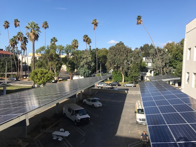 verlux-energy-solar-carport01